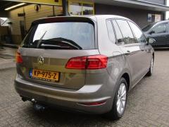 Volkswagen-Golf Sportsvan-2